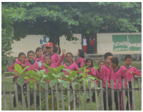 school-kids-in-sirom-village
