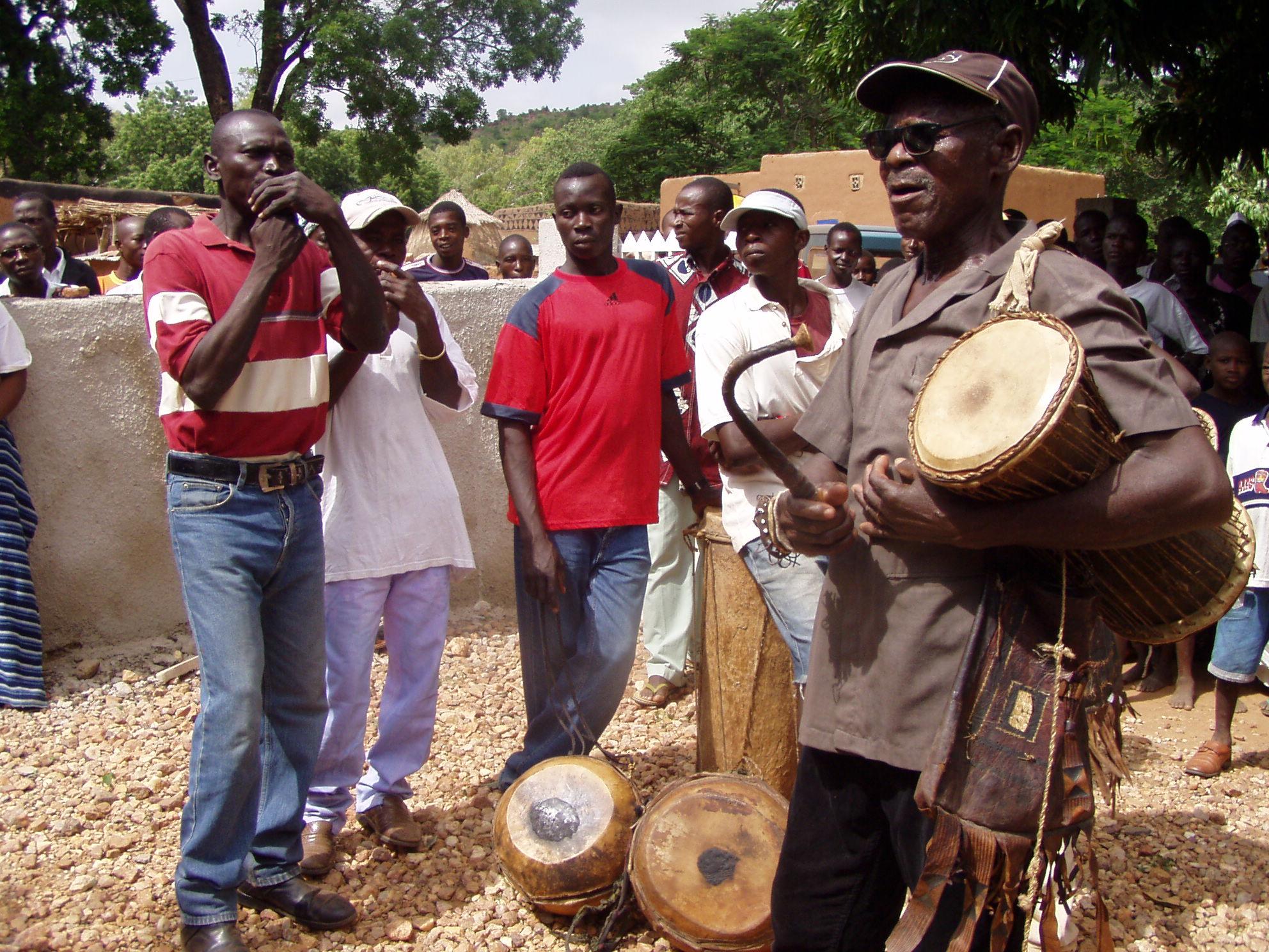 Musiciens kassena. Kassena musicians.