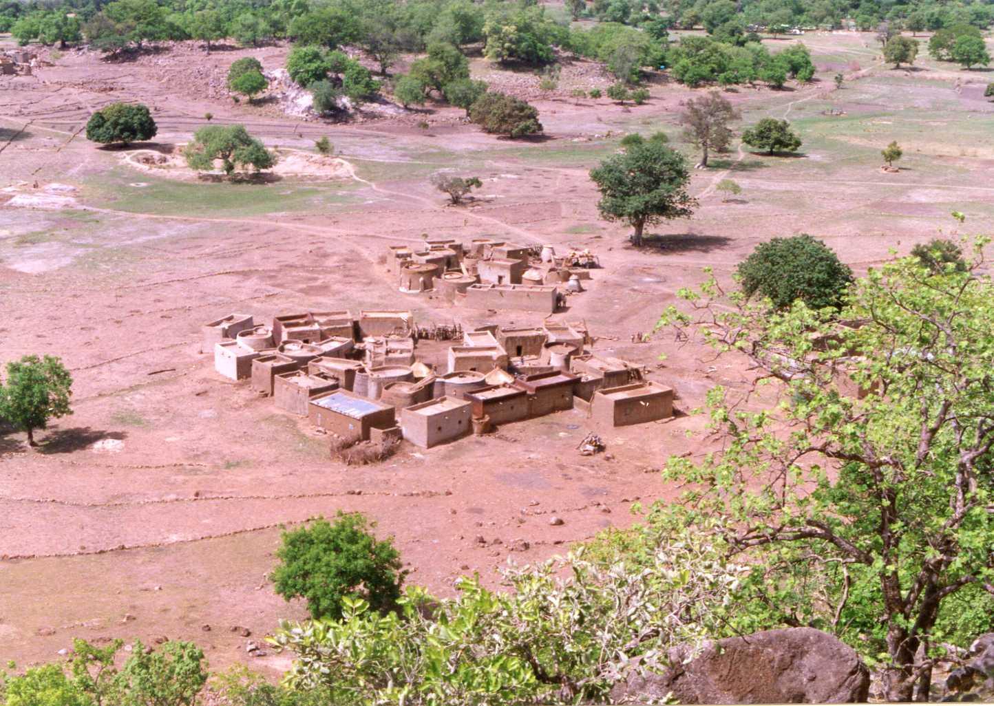 Concession kassena vue d'oiseau. Kassena compound from bird's view.