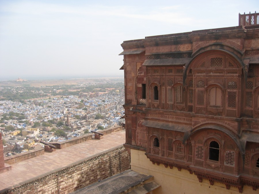 A old fort building in the foreground (started in 1492CE), the city in the midfield and off in the distance the recently constructed palace (constructed from 1929-1943).