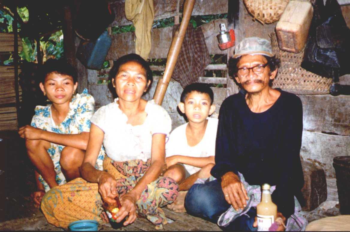 La Ada and family